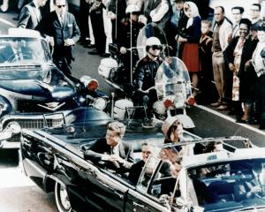 749px-JFK_limousine